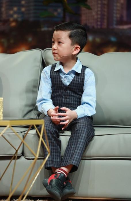 Sự thật cuộc sống của siêu trí tuệ Quang Bình: 6 tuổi nhớ 195 quốc gia, thạo 3 ngôn ngữ - Ảnh 1.