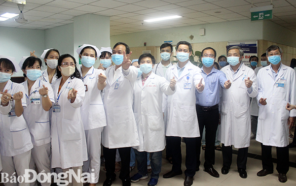 Thêm 2 ca tử vong vì bệnh lý nền nặng và mắc COVID-19; Buổi sáng đầu tiên trong hơn 2 tuần qua, Việt Nam không có ca mắc mới COVID-19 - Ảnh 1.