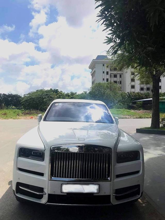 Doanh nhân Hải Phòng tậu Rolls-Royce Cullinan màu trắng hàng hiếm - Ảnh 1.