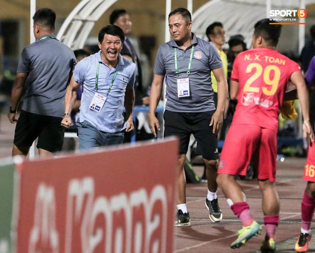 Công thần đăng tút gây xôn xao, tiết lộ mảng tối ở đội Sài Gòn FC đang thống trị V.League 2020 - Ảnh 2.