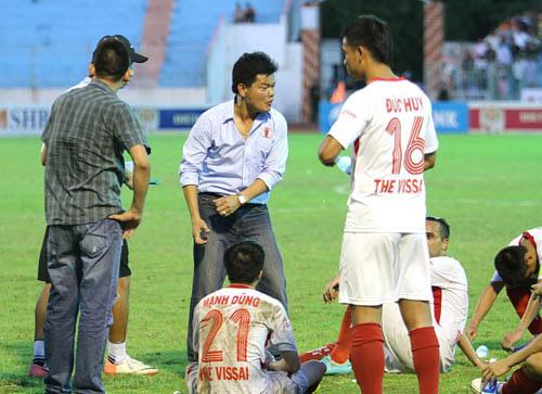 Những vụ tái hợp ở V.League: Chuyện TP.HCM và ông Chung vẫn chưa dị bằng HLV Lê Thụy Hải - Ảnh 5.