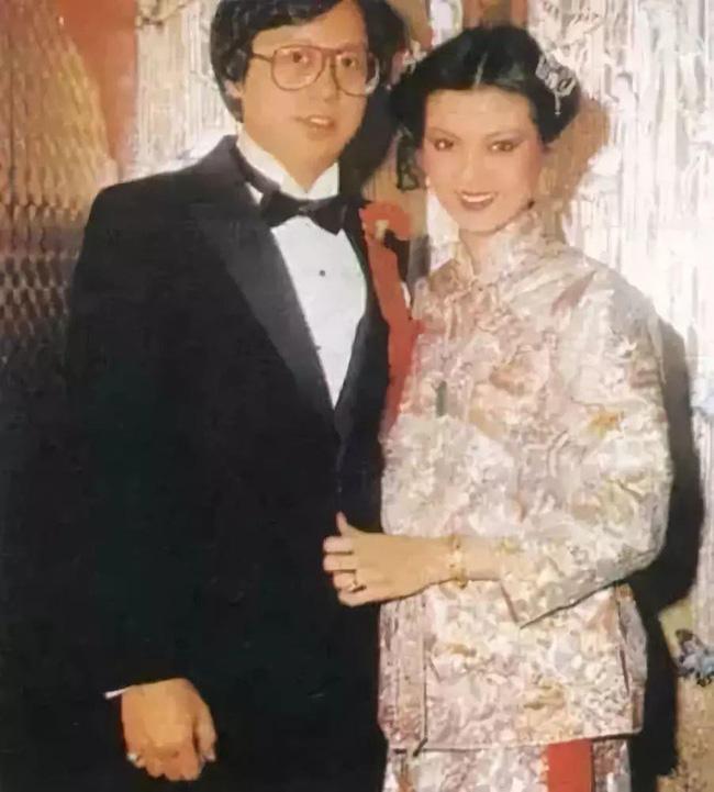 Câu chuyện trả thù chồng và nhân tình nổi tiếng Cbiz: Bị Vương Tổ Hiền cướp chồng, Tạ Linh Linh ôm 5 con bước khỏi cổng hào môn, trở thành nữ tỷ phú giàu bậc nhất làng giải trí - Ảnh 4.