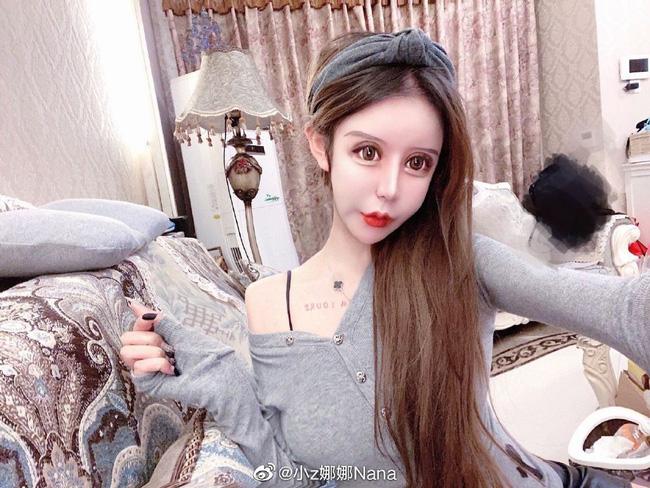 Dân tình khiếp vía khi nhìn gương mặt mẫu nữ Trung Quốc 16 tuổi sau 70 lần phẫu thuật thẩm mỹ - Ảnh 6.