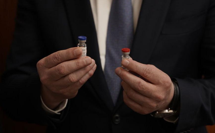 """Vaccine COVID-19 của Nga: Không chứa thành phần SARS-CoV-2, người Nga được tiêm """"hoàn toàn miễn phí"""""""