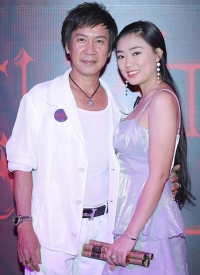 Lê Huỳnh nói về vợ hai kém 30 tuổi: Trời ban cho tôi một cô vợ trẻ đẹp - Ảnh 4.