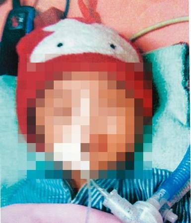 Bé gái 3 tháng tuổi đột ngột qua đời, cảnh sát điều tra mới phát hiện dã tâm và hành vi tội ác của người bác - Ảnh 1.