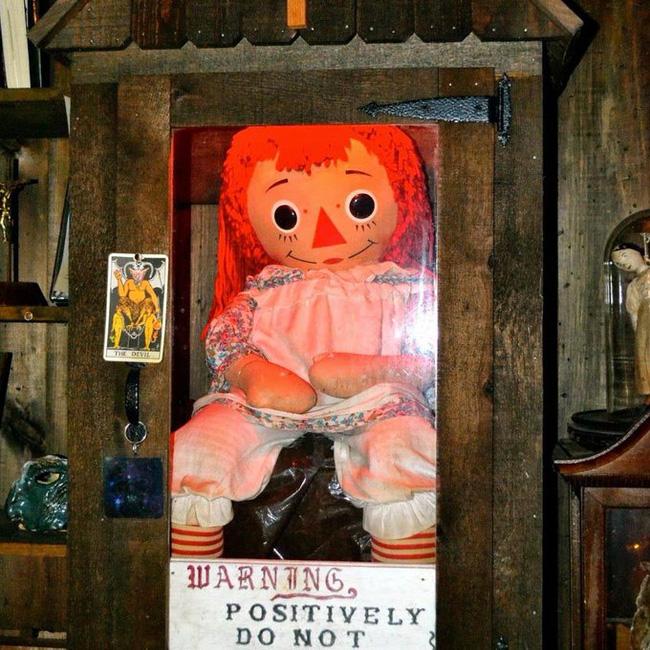 Thực hư thông tin búp bê Annabelle đột ngột biến mất khỏi bảo tàng khiến dân mạng lo sốt vó, sợ bị tìm đến gây xôn xao MXH vài giờ qua - Ảnh 5.