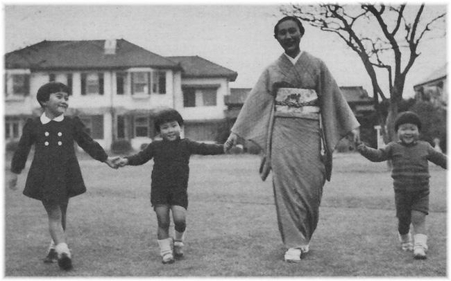 Điều ít biết về nàng dâu sắc nước hương trời của hoàng gia Nhật Bản, khí chất khó ai bì kịp, không sinh con vẫn được gia đình chồng nể trọng - Ảnh 2.