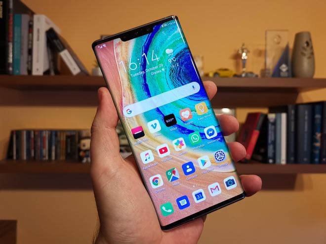 Các đòn trừng phạt của Mỹ đang từ từ bóp nghẹt smartphone Huawei như thế nào? - Tin mới - Ảnh 2.