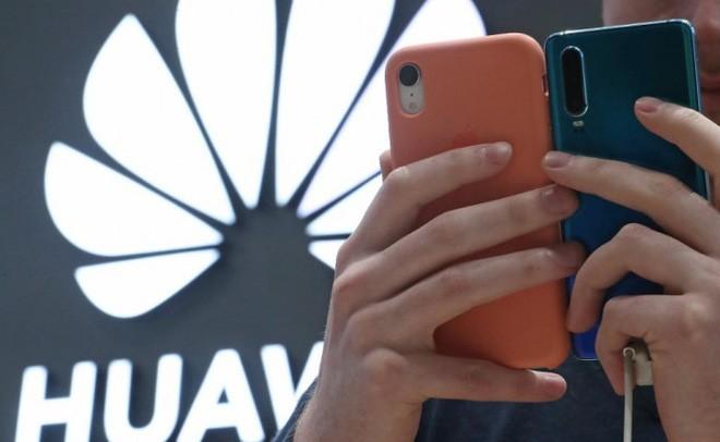 Các đòn trừng phạt của Mỹ đang từ từ bóp nghẹt smartphone Huawei như thế nào? - Tin mới - Ảnh 3.