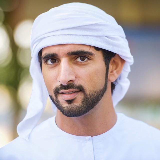 Chim mẹ chọn đúng ô tô của Hoàng tử Dubai làm tổ và pha xử lý không ai ngờ của chàng hoàng tử điển trai được dân mạng khen ngợi rần rần - Ảnh 1.