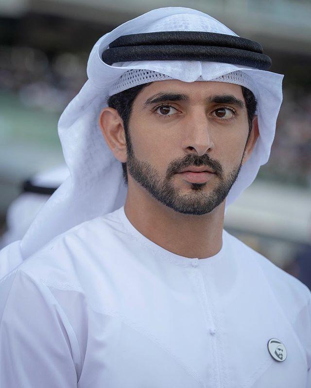 Chim mẹ chọn đúng ô tô của Hoàng tử Dubai làm tổ và pha xử lý không ai ngờ của chàng hoàng tử điển trai được dân mạng khen ngợi rần rần - Ảnh 2.