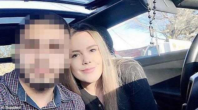 Cô giáo bị buộc tội có quan hệ với học sinh nam, hài hước nhất là lời bào chữa của luật sư - Ảnh 1.