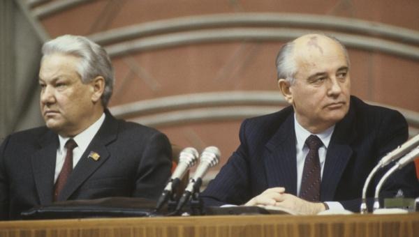 Nhìn lại cuộc chính biến góp phần đẩy nhanh sự sụp đổ của Liên Xô - Ảnh 2.