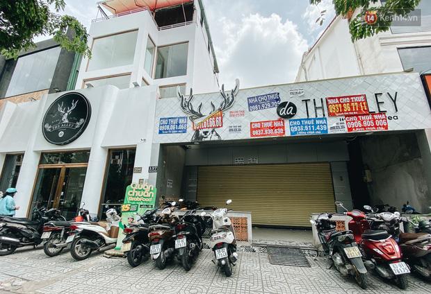 Hơn nửa năm đóng cửa vì dịch Covid-19, giá thuê mặt bằng trên đường Phan Xích Long vẫn chưa hạ nhiệt - Ảnh 13.