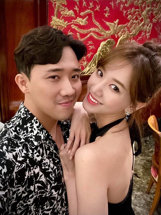 Trấn Thành kiếm tiền khủng nhưng chỉ được vợ bỏ ví 5 triệu/ngày, Hari Won lên tiếng nói rõ sự thật - Ảnh 1.