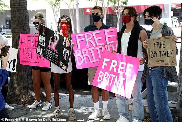 Lý do gây sốc đằng sau phong trào giải cứu Britney Spears khỏi chính cha ruột - Ảnh 1.