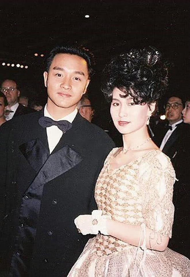 Chiêm ngưỡng loạt ảnh kiều diễm từ bé đến lớn của ái nữ mệnh phú quý Vua sòng bài Macau: Thuở thiếu nữ đẹp không khác mỹ nhân TVB - Ảnh 16.