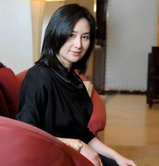 Chiêm ngưỡng loạt ảnh kiều diễm từ bé đến lớn của ái nữ mệnh phú quý Vua sòng bài Macau: Thuở thiếu nữ đẹp không khác mỹ nhân TVB - Ảnh 18.