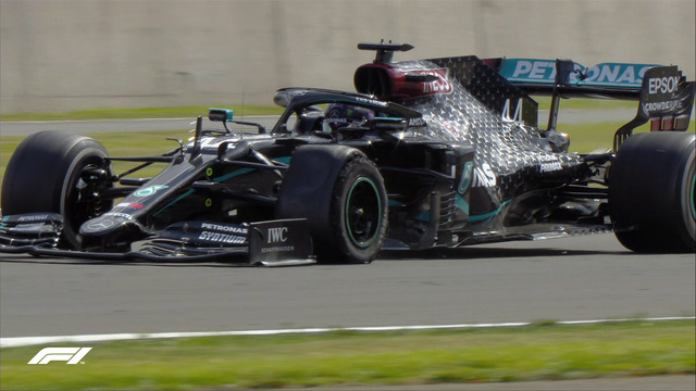 Đua xe F1: Nổ lốp ở vòng đua cuối, Lewis Hamilton vẫn về nhất tại Silverstone - Ảnh 8.