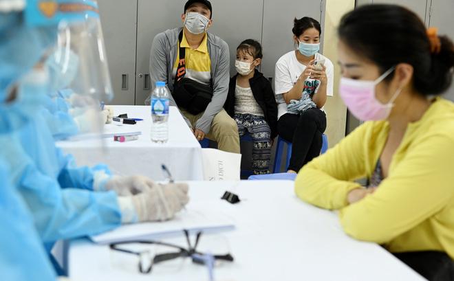 Hiểu đúng về xét nghiệm PCR và xét nghiệm kháng thể đang được sử dụng ở Việt Nam - Ảnh 2.