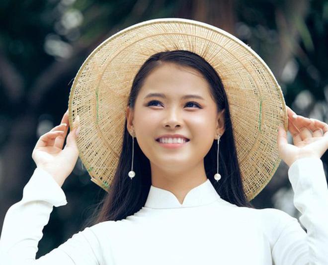 Nhan sắc của cô gái có mái tóc dài gần 1 mét dự thi Hoa hậu Việt Nam 2020 - Ảnh 2.