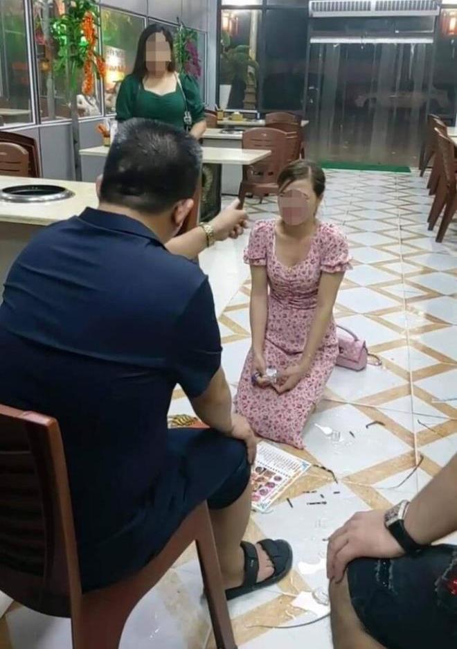 Cô gái quỳ trong quán nướng Hiền Thiện: Ông chủ ép đính chính lên facebook, dùng dép đánh vào mặt - Ảnh 2.