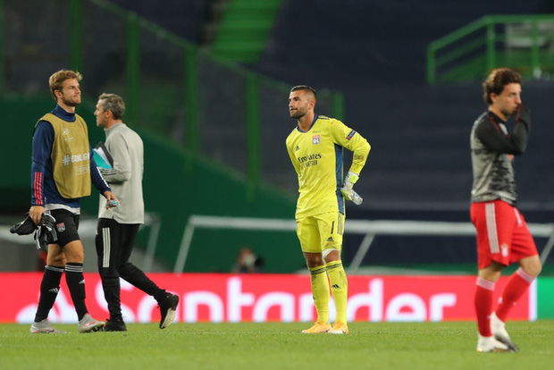 Bán kết Champions League: Cầu thủ Lyon buồn bã, tiếc nuối sau khi gục ngã trước ngưỡng cửa thiên đường - Ảnh 3.