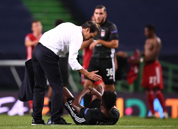 Bán kết Champions League: Cầu thủ Lyon buồn bã, tiếc nuối sau khi gục ngã trước ngưỡng cửa thiên đường - Ảnh 5.