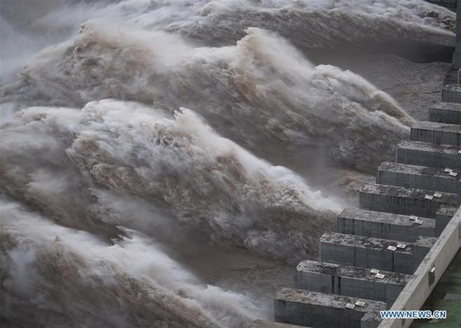 Mổ xẻ nhóm thủ phạm gây lũ lụt dồn dập ở TQ: Thành phố bọt biển cũng không mấy tác dụng! - Ảnh 3.