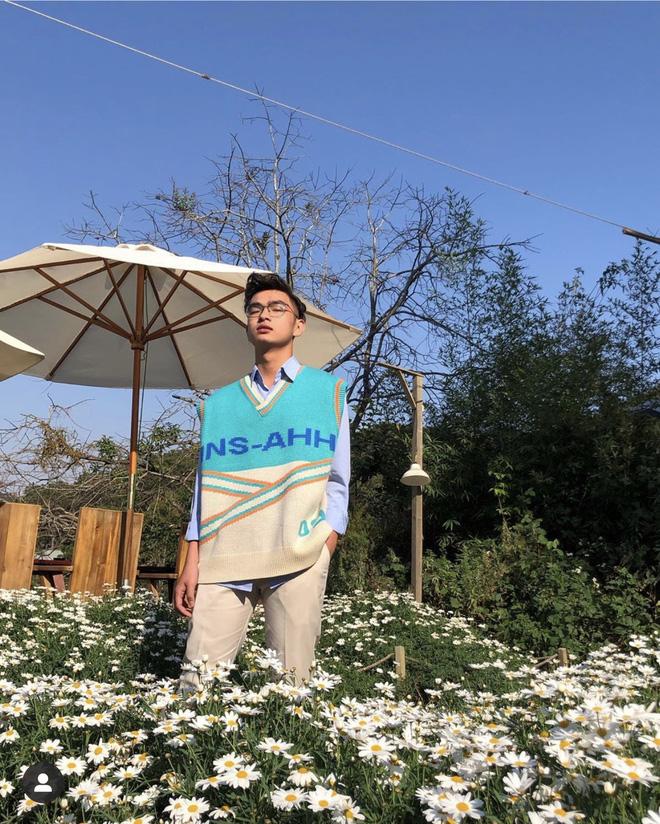 Thêm một trai đẹp 2K3 gia nhập làng học giỏi: Xuất hiện nhiều trên show truyền hình, đại diện Việt Nam tham gia trại hè quốc tế - Ảnh 1.