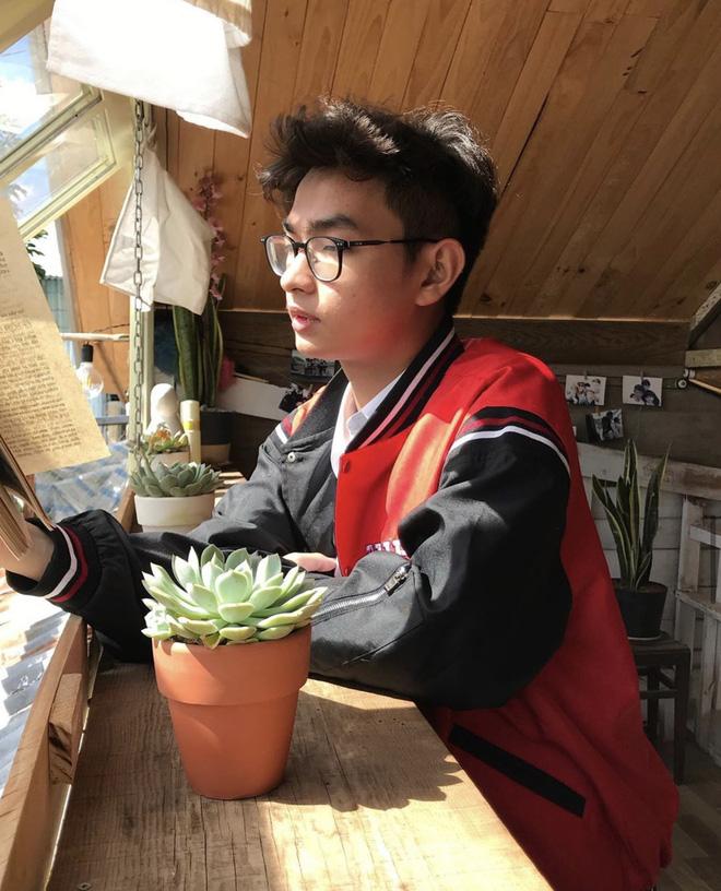 Thêm một trai đẹp 2K3 gia nhập làng học giỏi: Xuất hiện nhiều trên show truyền hình, đại diện Việt Nam tham gia trại hè quốc tế - Ảnh 2.