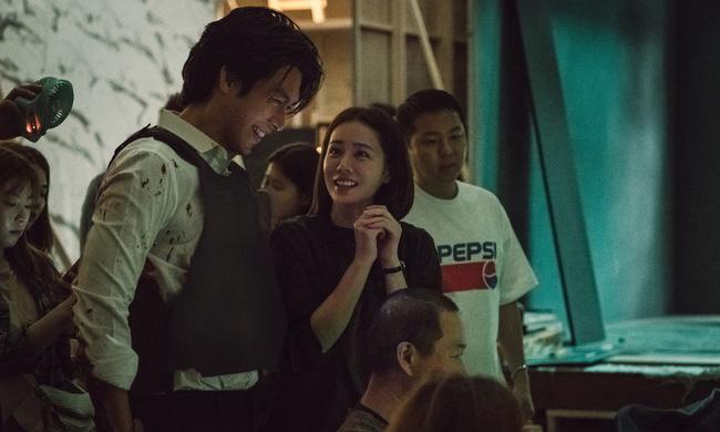 Bốn nữ thần trong series phim 4 mùa đình đám Hàn Quốc: Son Ye Jin - Song Hye Kyo vướng tin đồn tình ái với cùng một người, Choi Ji Woo viên mãn bên chồng con, còn người cuối cùng vẫn im hơi lặng tiếng - Ảnh 20.
