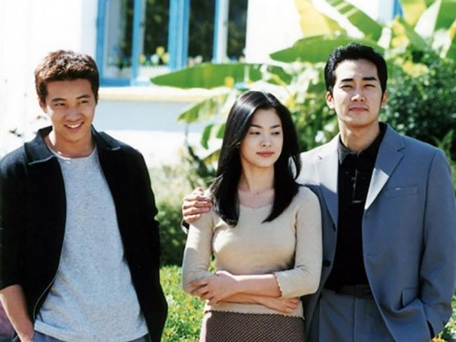 Bốn nữ thần trong series phim 4 mùa đình đám Hàn Quốc: Son Ye Jin - Song Hye Kyo vướng tin đồn tình ái với cùng một người, Choi Ji Woo viên mãn bên chồng con, còn người cuối cùng vẫn im hơi lặng tiếng - Ảnh 3.