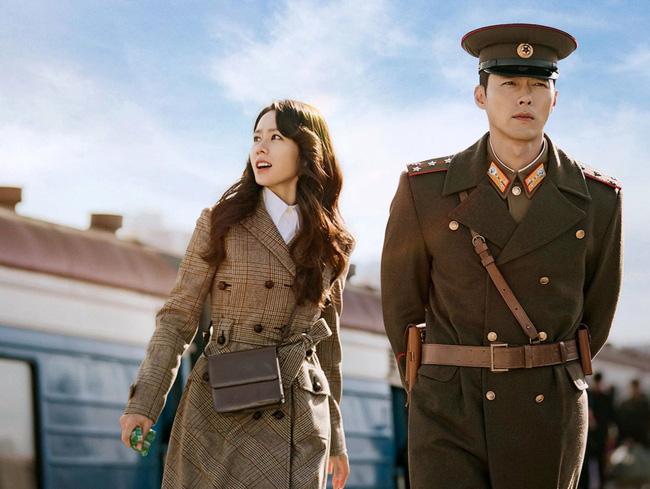 Bốn nữ thần trong series phim 4 mùa đình đám Hàn Quốc: Son Ye Jin - Song Hye Kyo vướng tin đồn tình ái với cùng một người, Choi Ji Woo viên mãn bên chồng con, còn người cuối cùng vẫn im hơi lặng tiếng - Ảnh 21.