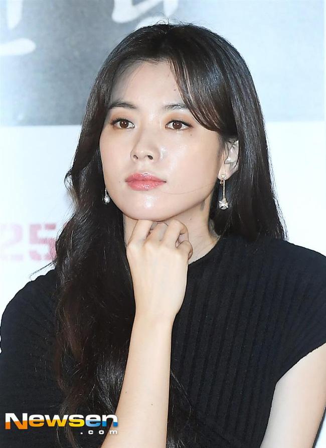 Bốn nữ thần trong series phim 4 mùa đình đám Hàn Quốc: Son Ye Jin - Song Hye Kyo vướng tin đồn tình ái với cùng một người, Choi Ji Woo viên mãn bên chồng con, còn người cuối cùng vẫn im hơi lặng tiếng - Ảnh 27.