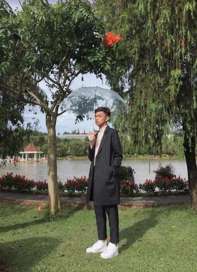Thêm một trai đẹp 2K3 gia nhập làng học giỏi: Xuất hiện nhiều trên show truyền hình, đại diện Việt Nam tham gia trại hè quốc tế - Ảnh 5.