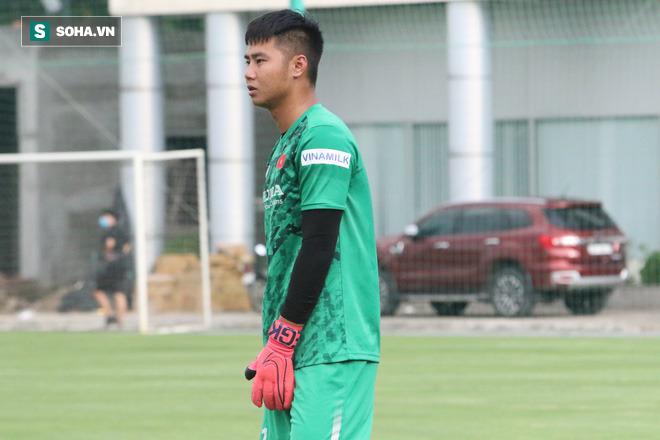 Cựu thủ môn ĐT Việt Nam lên tiếng, chỉ ra sai lầm chí mạng của đàn em ở trận gặp Oman - Ảnh 4.