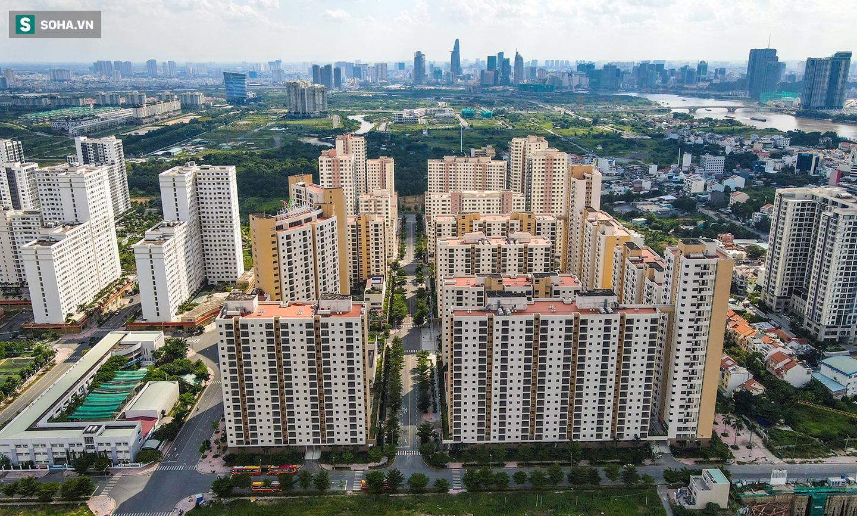 Toàn cảnh khu tái định cư đồ sộ ở TP.HCM có hàng nghìn căn hộ không ai ở, đang chờ bán đấu giá - Ảnh 4.