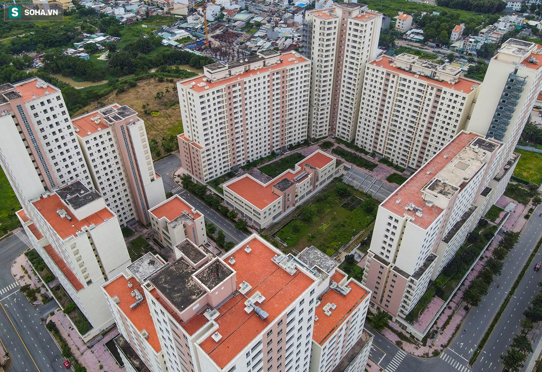 Toàn cảnh khu tái định cư đồ sộ ở TP.HCM có hàng nghìn căn hộ không ai ở, đang chờ bán đấu giá - Ảnh 6.