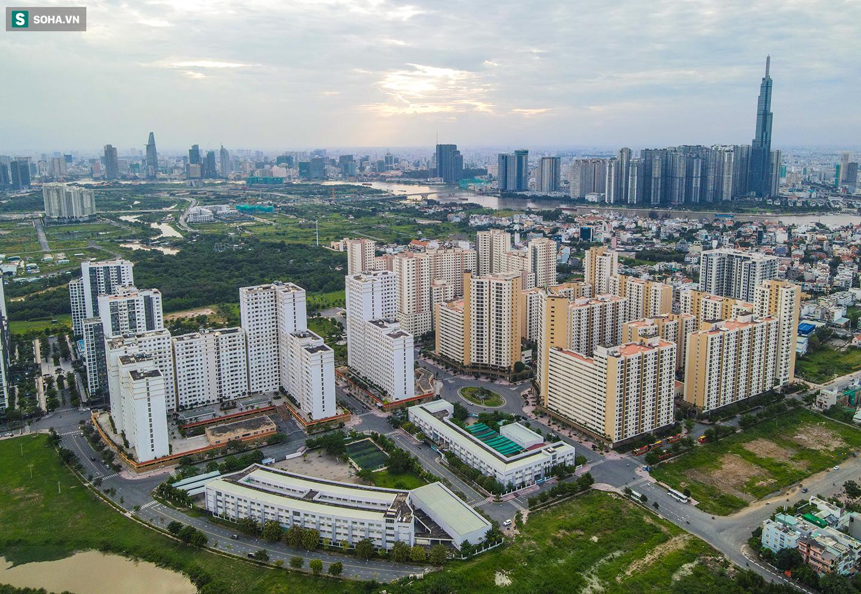 Toàn cảnh khu tái định cư đồ sộ ở TP.HCM có hàng nghìn căn hộ không ai ở, đang chờ bán đấu giá - Ảnh 1.