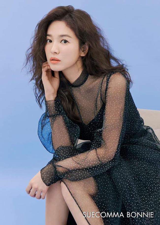 Song Joong Ki lại thua đau trước Song Hye Kyo: Nhà trai sự nghiệp chông chênh, ngoại hình xuống dốc còn mỹ nữ mang danh bị chồng bỏ thì thăng hạng từ nhan sắc tới danh tiếng - Ảnh 2.