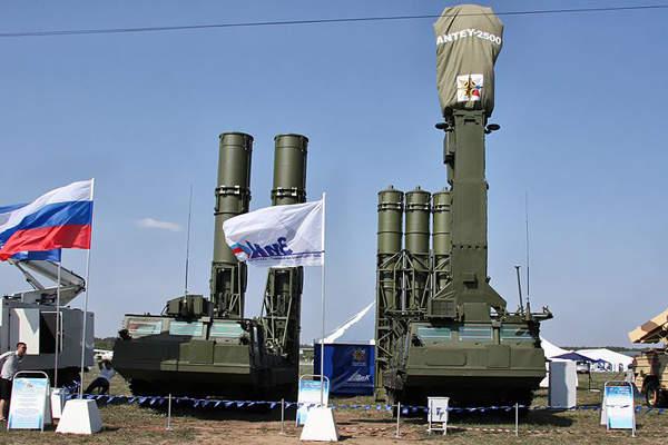 S-300 Nga khiến phi công Mỹ hốt hoảng ở Syria: Mẫu xuất khẩu mới nhất ra mắt Army-2020 - Ảnh 1.