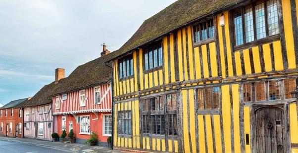Ngôi làng gây nhức mắt nhất quả đất: Làm bằng gỗ nghiêng ngả đến xiêu vẹo, tồn tại vài thế kỷ rồi nhưng tuyệt nhiên không đổ! - Ảnh 2.