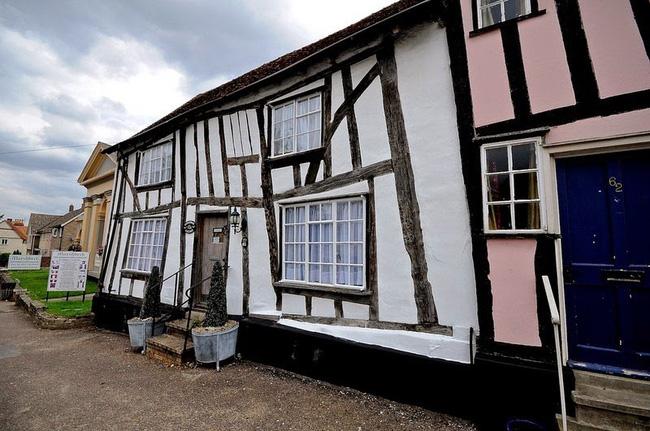 Ngôi làng gây nhức mắt nhất quả đất: Làm bằng gỗ nghiêng ngả đến xiêu vẹo, tồn tại vài thế kỷ rồi nhưng tuyệt nhiên không đổ! - Ảnh 11.