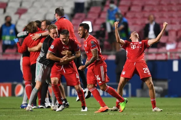 Màn ăn mừng dở khóc dở cười nhưng độc nhất vô nhị của Bayern Munich - Ảnh 2.