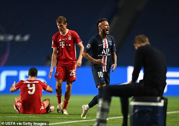 Neymar khóc nức nở khi PSG để tuột chức vô địch Champions League đầy tiếc nuối - Ảnh 1.