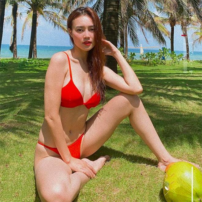 Ninh Dương Lan Ngọc tung ảnh bikini nóng bỏng - Ảnh 2.
