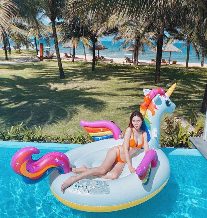Ninh Dương Lan Ngọc tung ảnh bikini nóng bỏng - Ảnh 4.