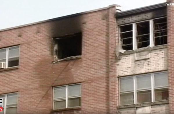 Cảnh sát liều mình cứu bé gái nằm bất động trong biển lửa, 18 năm sau đứa trẻ mới biết việc làm đặc biệt của ân nhân trong thời gian qua - Ảnh 1.